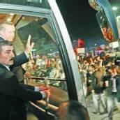 Erdogan von Anhängern gefeiert