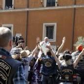 Papst erteilt Harley-Fahrern den Segen