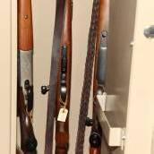 BH-Beamter verkaufte sichergestellte Waffen