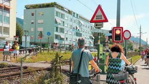 """Die Bahnschranken bei der Mili und beim """"Melanie"""" sind zumindest im Sommer stark frequentiert. Foto: F. Steiner"""