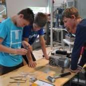 Schüler lernten Metall bei Heron