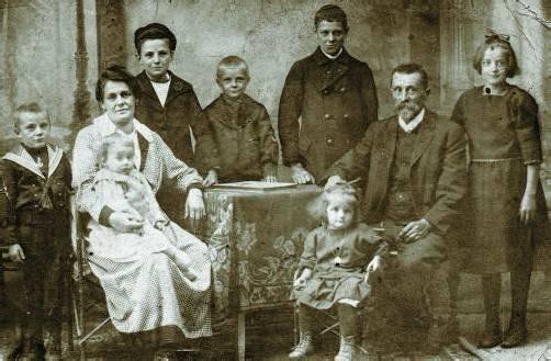 Familie Fritz aus Dalaas. Eduard Fritz verließ die Heimat als Schwabenbub. Später verschlug es ihn nach Tansania und Argentinien. Foto: Museum