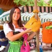 Farbenfroher Bauernmarkt in Lech