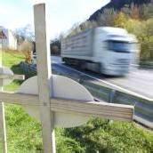 Zahl der Verkehrstoten um die Hälfte gesunken