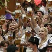 Münchner Oktoberfest lockt wieder mit Oider Wiesn