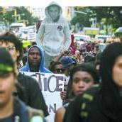 Tausende demonstrieren gegen den Freispruch des US-Todesschützen