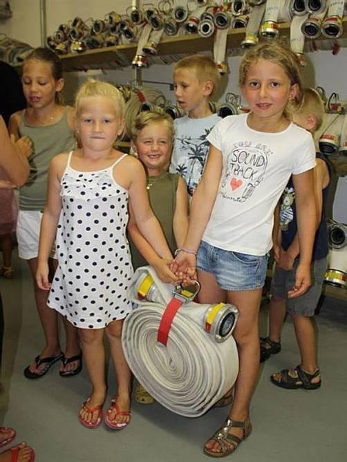 Die Besucher durften selber anpacken. Foto: Schallert