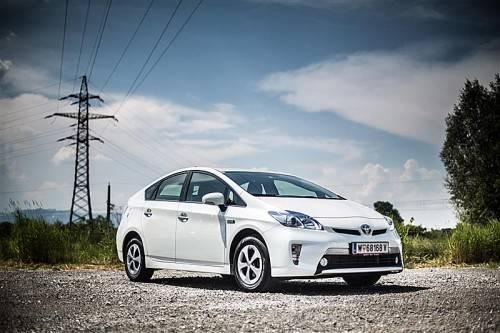 """Der Prius gewinnt den Titel  """"E-Auto des Jahres"""". Foto: werk"""