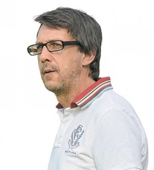 Erhofft sich Derbysieg: Höchst-Coach Dieter Alge. Foto:lerch