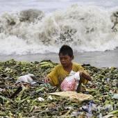 Taifun hinterlässt eine Spur der Verwüstung