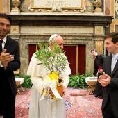 Papst traf Messi und Co.