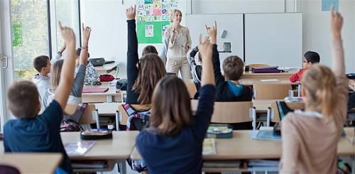 Lehrer, Eltern und Kinder treffen ab heuer Zielvereinbarungen. Foto: vn/Steurer