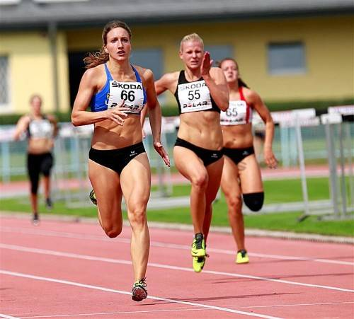 Vizemeisterin Raffaela Dorfer (l.) wurde bei ihrem letzten Siebenkampf Disziplinensiegerin im 200-m-Lauf.