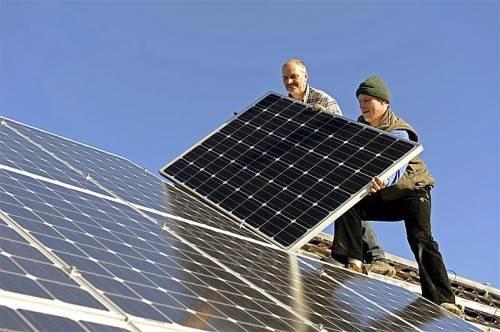 Seit dem Jahr 2009 wurden in Vorarlberg 500.000 Quadratmeter Photovoltaik-Fläche installiert. Fotolia
