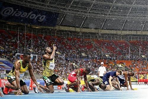 """Usain Bolt (2. v. l.) sehnt sich nach seiner Heimat: """"Ich mache noch die Meetings in Zürich und Brüssel, dann geht es in den Urlaub. Chillen."""" Foto: ap"""