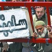 Metallsperren gegen Mursi-Anhänger errichtet