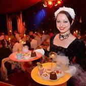 Ein Fest für die Sinne: Clowns & Kalorien