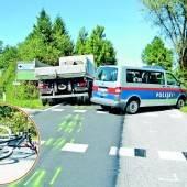 Radfahrer (82) starb nach Kollision mit Lkw