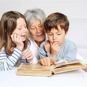 VN-Serie: Oma und Opa erzählen Erlebte Zeitgeschichte gesucht /A13