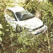 Auto über Böschung abgestürzt: Lenker kam mit dem Schrecken davon