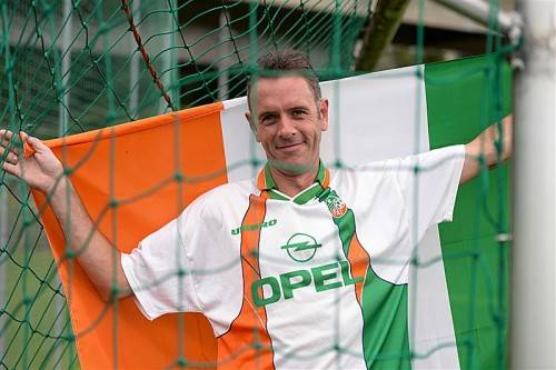 Als richtiger Ire hat sich Brendan Hearne schon mal das richtige Outfit für den Dienstagabend zurechtgelegt. Foto: VN-Lerch