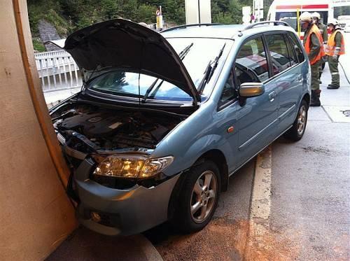 Am Auto entstand Totalschaden. Foto: vol.at/sturn