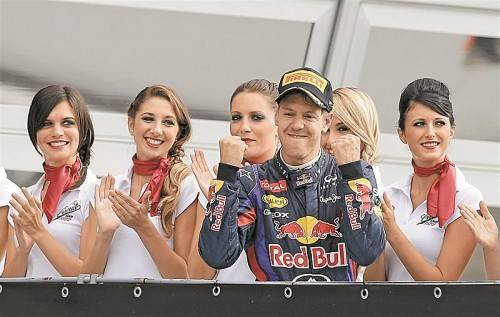 Applaus für Sebastian Vettel – der Deutsche dominiert mit dem Red Bull die Formel 1. Foto: gepa