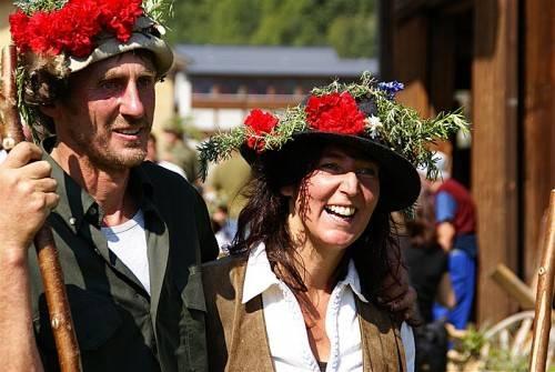 Barbara Albrecht mit ihrem Mann Jakob. Die Alpe ist seit 17 Jahren fixes Programm für die ganze Familie. Foto: Privat