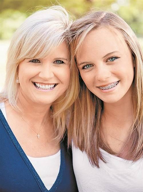 Behandlungen zur Kieferregulierung fordern Eltern vor allem finanziell. Jetzt sind Zahnspangen auch zum politischen Thema geworden.