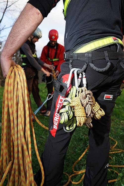 Bergrettung seilte Verunfallten 300 Meter ab. Foto: bechtold