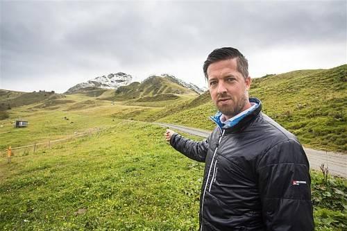 Christian Speckle, OK-Chef des Snowboardcross-Weltcups im Montafon, vor dem neuen Zielgelände. Steurer