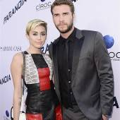 Cyrus entfolgt ihrem Verlobten