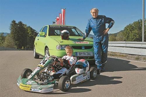 "Das ""PS-Rekord-Duo"" aus Wolfurt: Kurt Adam (77) und Mario Tomasini (8). Foto: manfred noger"