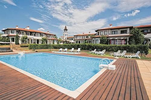 Das Luxusresort in bester Lage Beleks lädt nach dem Golfspiel zum Entspannen und Relaxen ein.