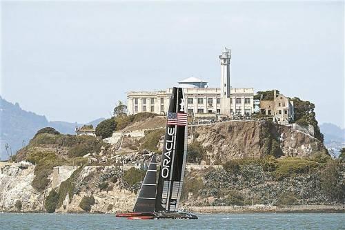 Das Oracle-Syndikat segelte vor Alcatraz zum Sieg. Foto: ap