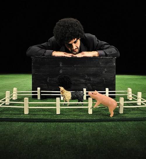 """Das Teatro Distinto präsentiert zum Abschluss des """"Luaga & Losna""""-Festivals das Stück """"Das schwarze Schaf"""" für Kinder ab 3 Jahren. foto: luaga & Losna"""
