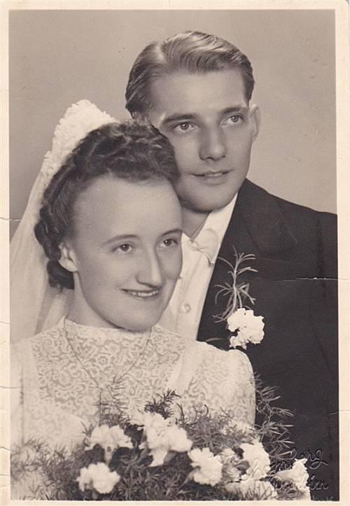 Das schöne Paar an seinem Hochzeitstag.