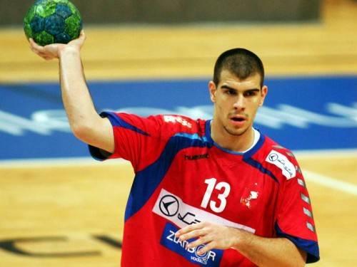 Der 23-jährige Serbe Ivan Dimitrijevic ist 198 cm groß und bringt 90 Kilogramm auf die Waage. Foto: Privat