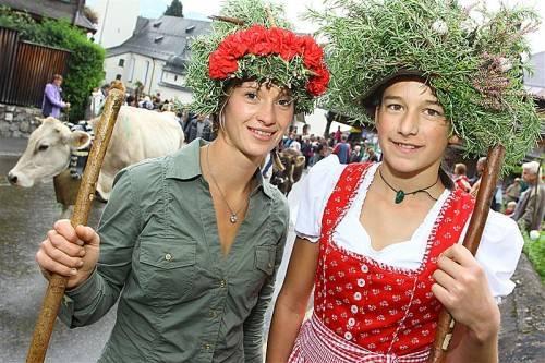 Der Schwarzenberger Alpabtrieb und Markt gehören zu den größten Festen im Arbeitsjahr der Bauern im Bregenzerwald. foto: vn/hofmeister