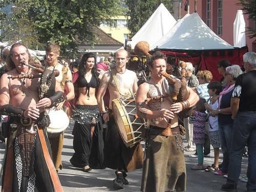 Der bekannte Mittelaltermarkt findet heuer letztmalig auf dem Parkplatz beim Schoeller2Welten-Areal statt. foto: karin lässer