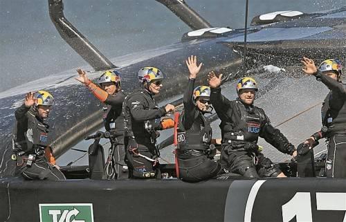 Die Oracle-Crew jubelt über den nächsten Sieg. Foto: apa