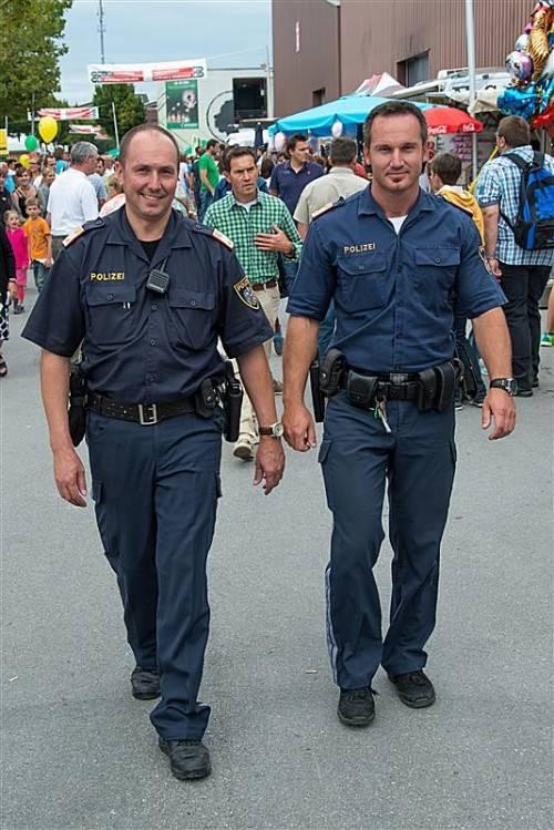 Die Polizeibeamten zeigten bei ihrem Einsatz auf der Dornbirner Messe Präsenz und sorgten für Ordnung. Foto: VN/O. Lerch