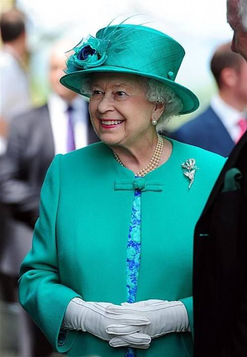 Die Queen hatte im Auto ein eigenes Fach für ihre Handtasche. RTS