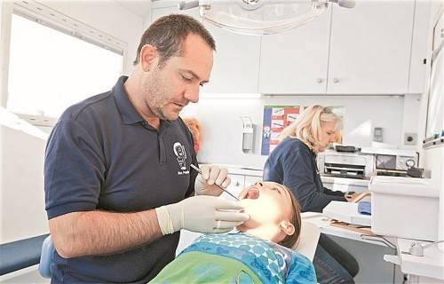 Die Reihenuntersuchungen im Rahmen der Zahnprophylaxe zeigen bei den Kindern positive Effekte. Foto: VN/Steurer