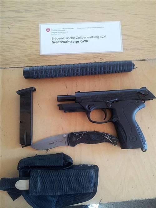 Diese Waffen wurden im Auto gefunden. Foto: grenzwachtregion