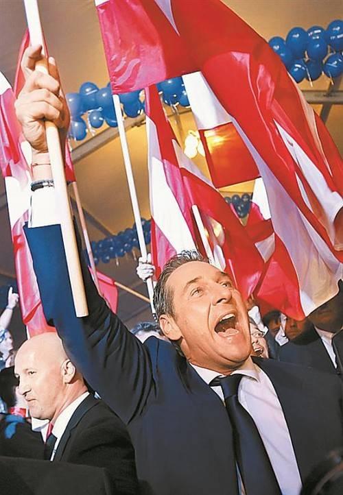 "FPÖ-Chef Strache feierte ""blaues Wunder"". Foto: Reuters"