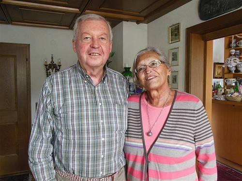 Gemeinsam genießt das Paar die Pension.