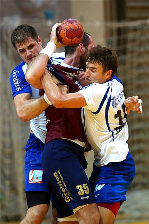 Frederic Wüstner (r.) bildet zusammen mit Kresimir Kozina (l.) ein fast unüberwindbares Bollwerk in der Defensive.
