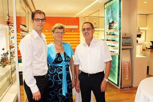 Geschäftsführer Ulrich Baldauf (l.) mit seinen Eltern und Vorgängern Marianne und Werner Baldauf. Fotos: doh