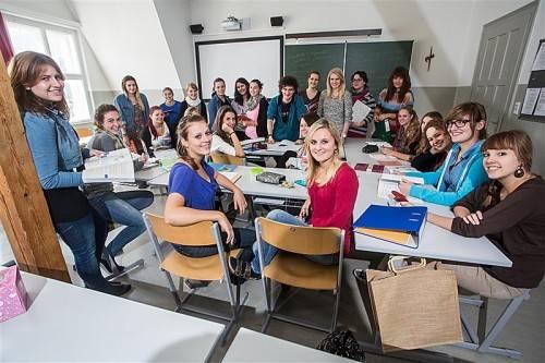 Gestatten, wir sind die 5b der BAKIP in Feldkirch. Das Projekt Matura startet. Foto: VN/Steurer